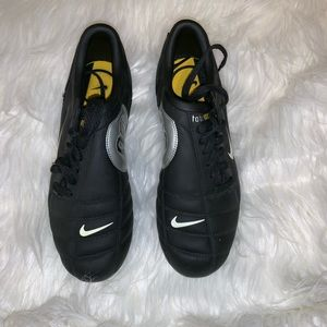BRAND NEW!! NIKE TOTAL 90 III FG SOCCER CLEATS